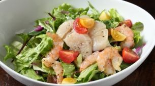Scallops and shrimp salad