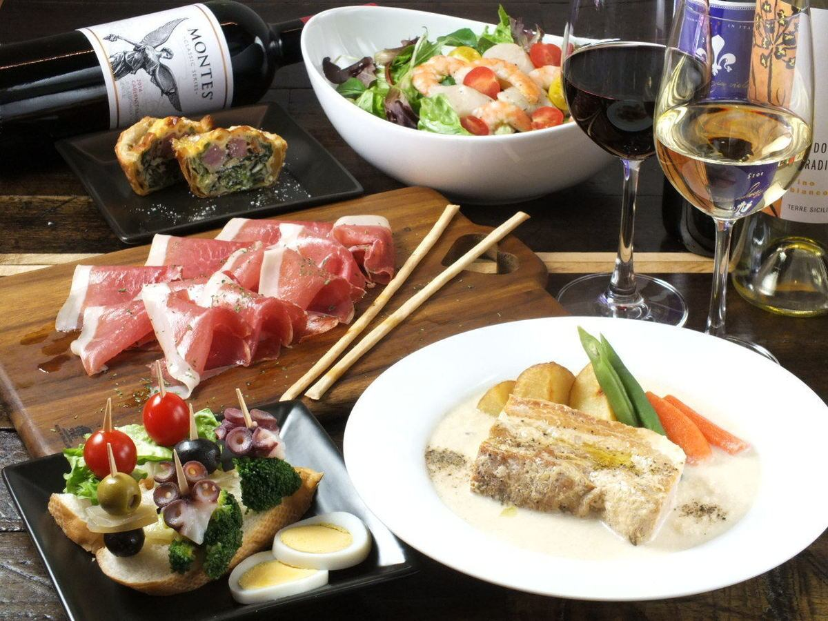 기타 센주에서 최고의 까르보나라 있습니다.기타 센주의 은신처 이탈리아 와인 발.