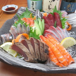 Recommended Famous sake and sashimi's marriage.