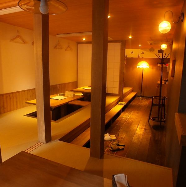 Two-tiered digging with a nice picture of a wall The seat is spacious and fashionable.We can arrange seats according to the number of people! In 2F there is a private room with digging corresponding to 25 people.A private room decorated with the attention of interior is a space where you can relax.Famous designer Sony's fourth shop opened by Chiba.