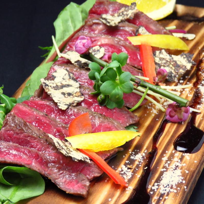 Wagyu beef sirloin steak / Wagyu peach steak