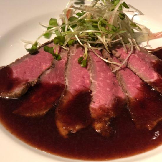 豪快な牛肉、ラム、鶏などグリル料理をご堪能いただけます