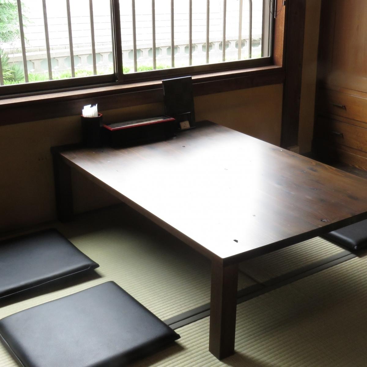 放松和放松的日式建筑★电车轨道火车一个特别的座位,你可以看到很好!
