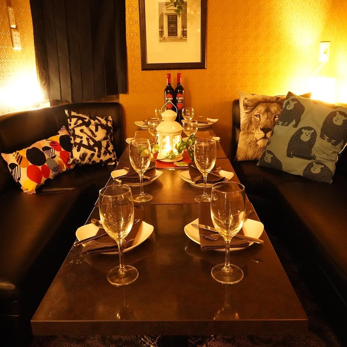 ゆったり個室空間なので周りを気にせず楽しめるのも魅力♪大人気の飲み放題付きコースはリーズナブルに3000円台からご用意しております☆