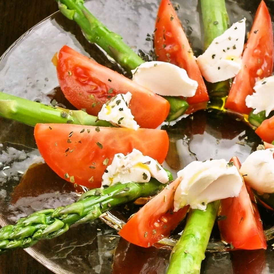 Marinated asparagus and tomato