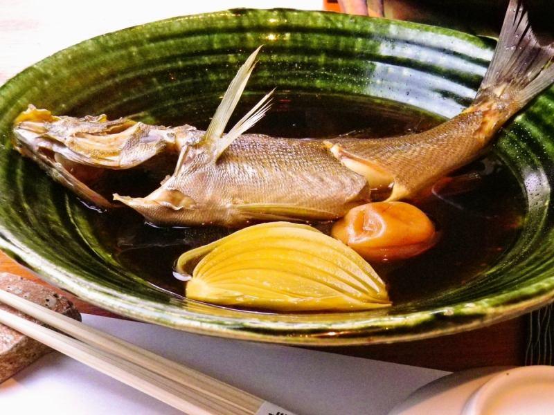 朝獲れ地魚煮付け