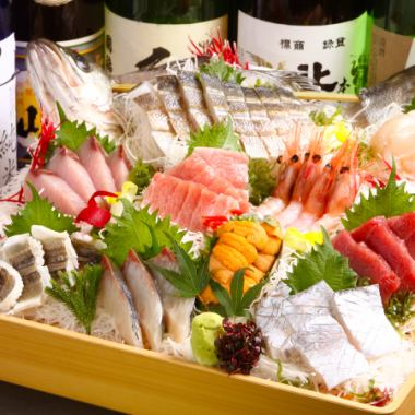 "Locals nodded, tourists surprising, exciting fresh ""sashimi eight points Assorted"""