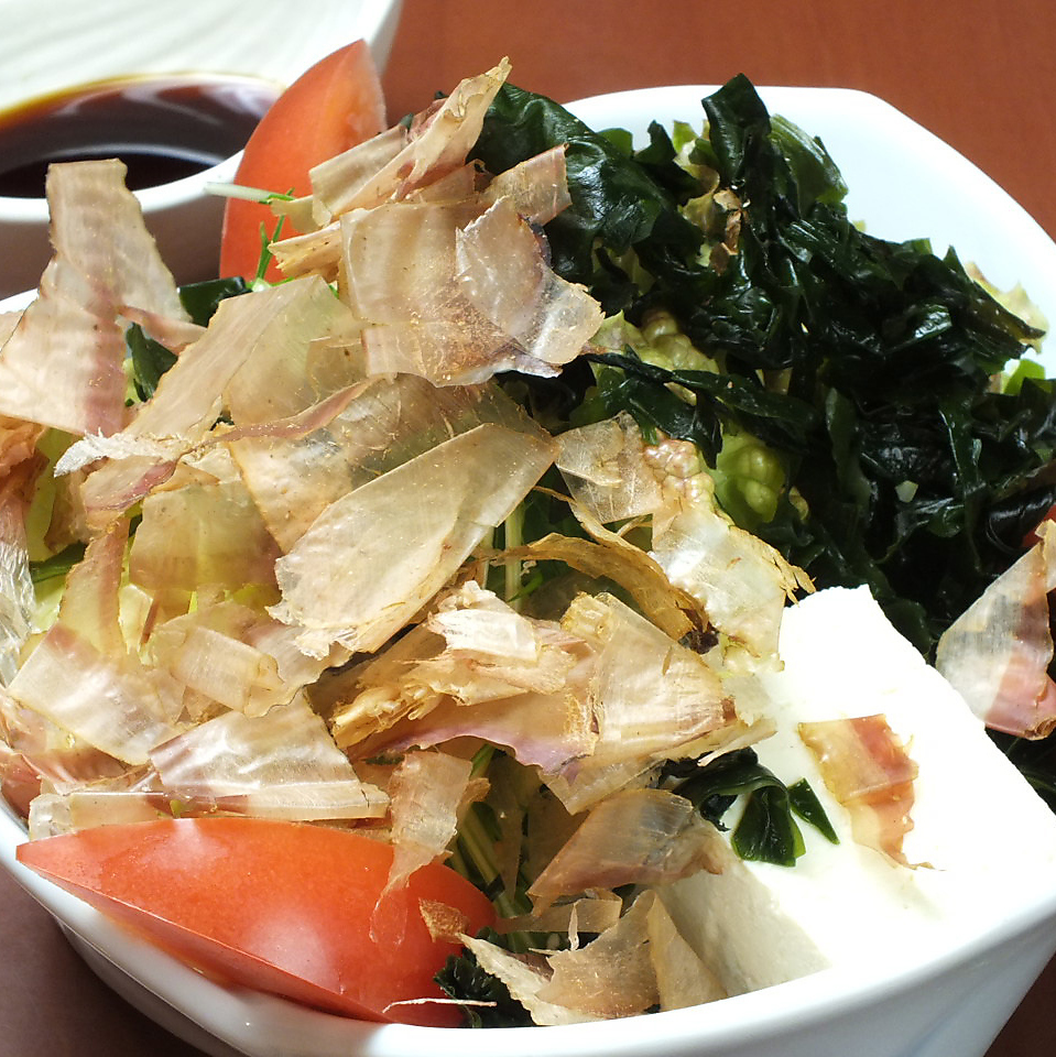 豆腐和嫩芽的新鮮沙拉(日式)