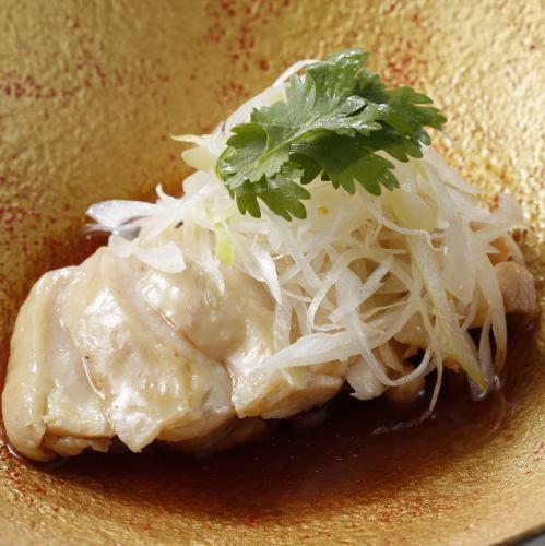 岩手県清流鶏の白蒸し 広州ソース