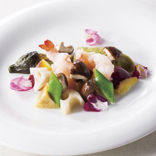 大海老と季節野菜入り塩味炒め