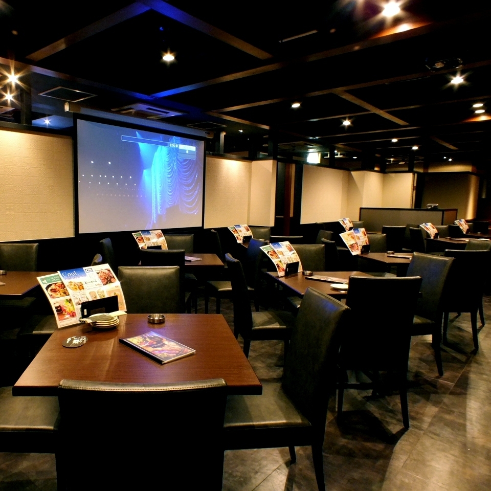 Projector, microphone equipped! Suitable for private wedding party etc. ♪