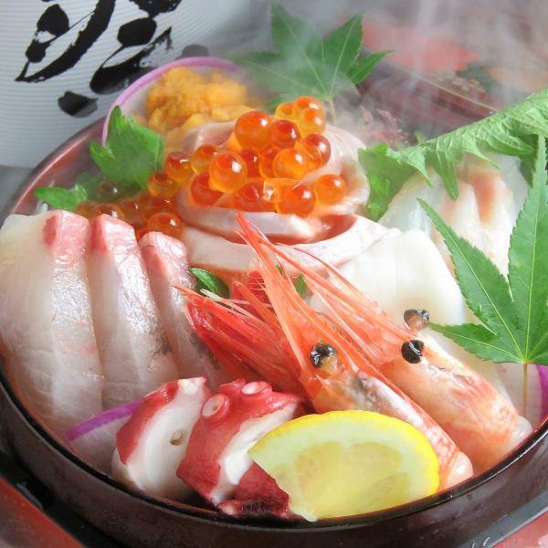 Assorted sashimi! Today's five-point platter (Kanpachi, salmon, sweet shrimp, squid, octopus)