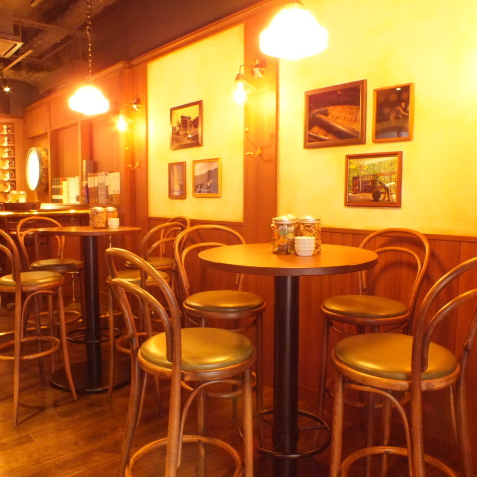 A table seat where you can enjoy without hesitation.Perfect for drinking party at the end of work ♪