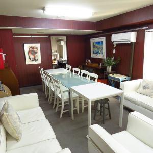 Oasisコースは当ビル11Fの特別な個室です。セミナーや記念日のディナーなど特別な時間にご案内しております。アフタヌーンティ、ランチ、ディナーでもご利用可能です(要予約)。