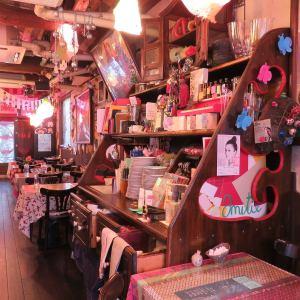 店内にはイベントのお知らせやお勧めのインテリアや雑貨も!