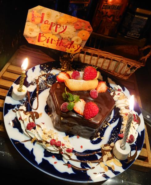 今日も誰かの誕生日・・おめでとう!お祝い事がございましたらお気軽にご相談ください♪