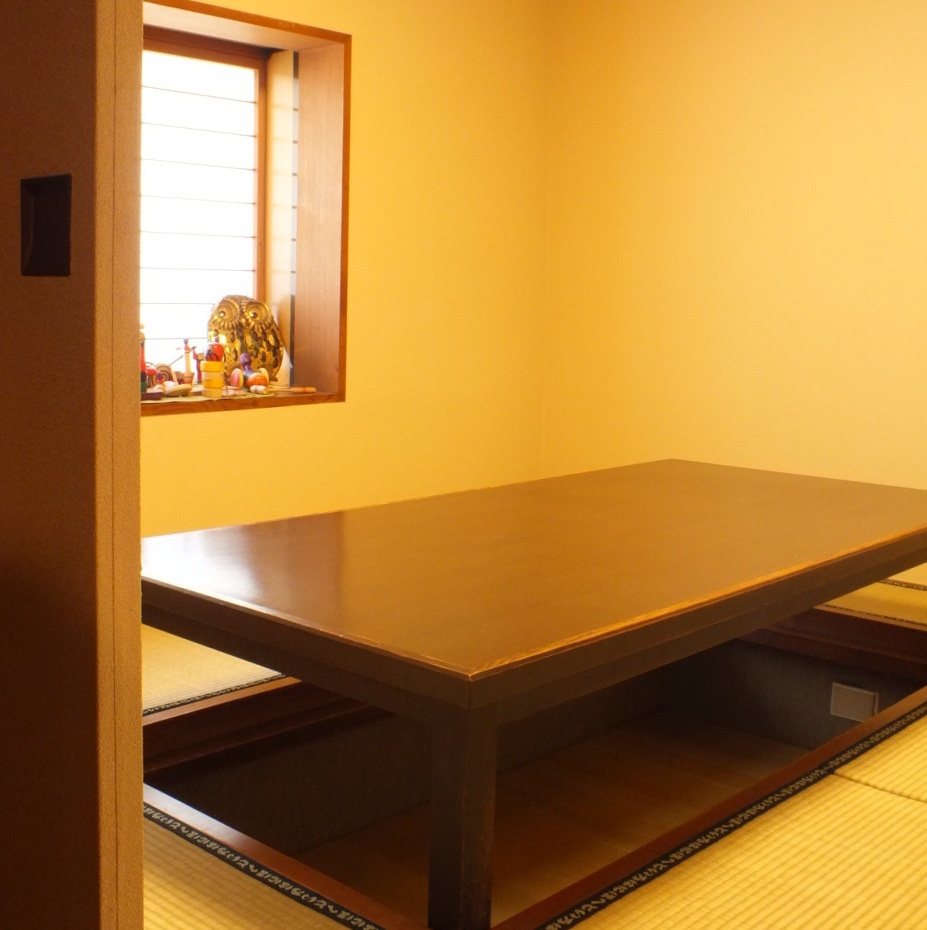 A Japanese style full private room is very popular ★ Tatami & digging Temple's store is calming space ♪