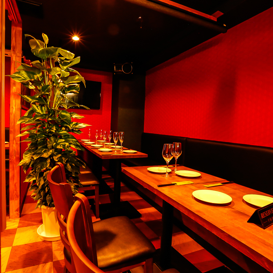 Fashionable space where indirect lightings and decorations are directing the atmosphere ♪ There are many other private room seats available! Private room suitable for private drinking party with friends.We are preparing a calm private room for adults ♪ Customers who use private rooms Recommended ♪