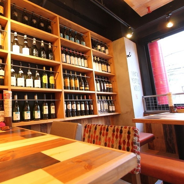 Bottle of wine is staggered inside the shop ☆ All the wine is the best choice for meat! We have wines from France, Italy, Chile, Argentina etc. We also prepare monthly recommended wine at stores I will not get tired of coming anytime! Recommended for a fashionable girls' society ♪