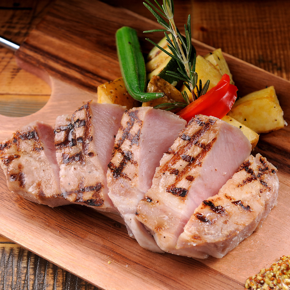 Soft GRILL of thick cut pork loin