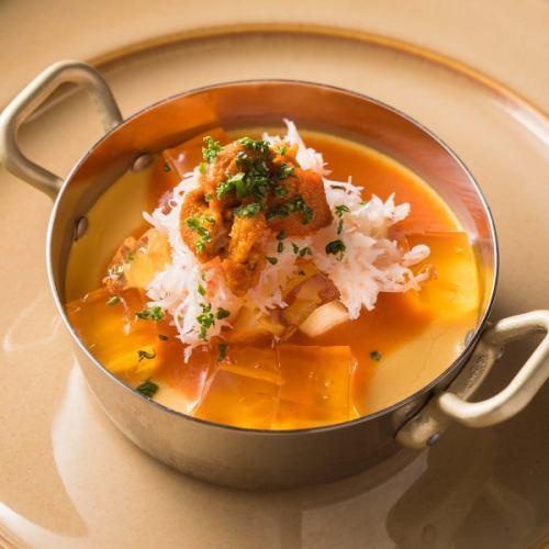 ●生雲丹とズワイ蟹 ~地鶏卵の冷たい自家製フラン コンソメジュレを添えて~