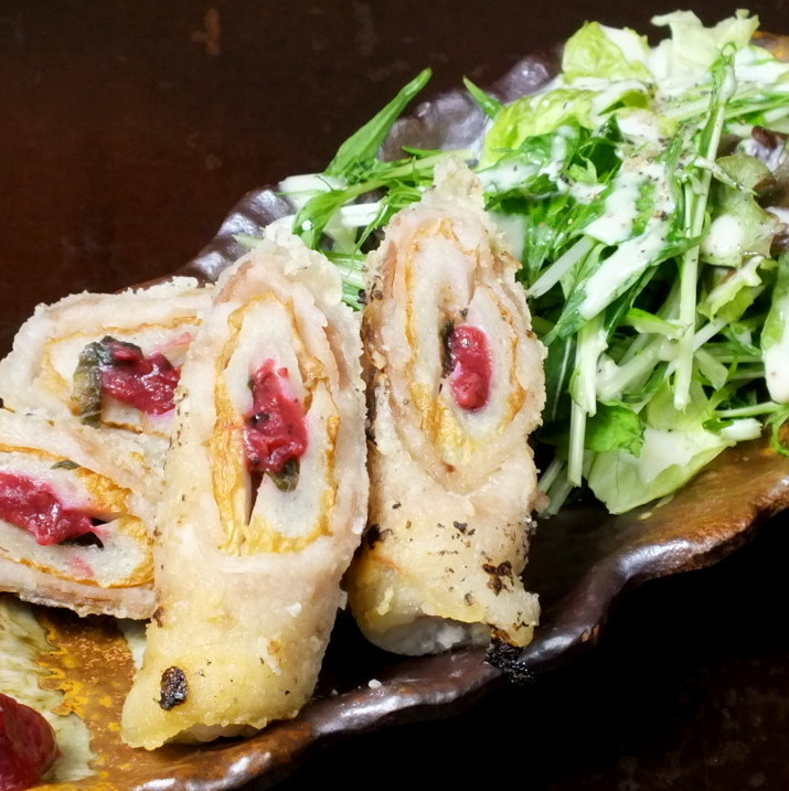 Plum and large leaf meat roll