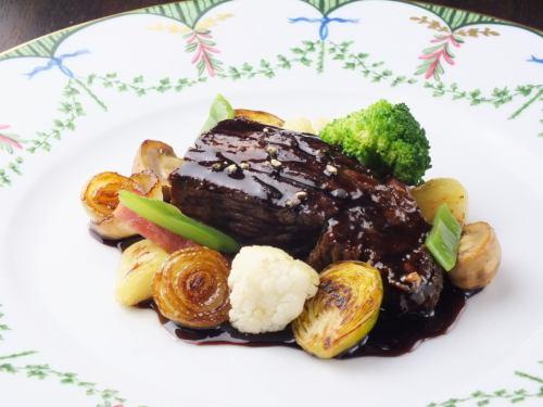 お肉料理ランチ