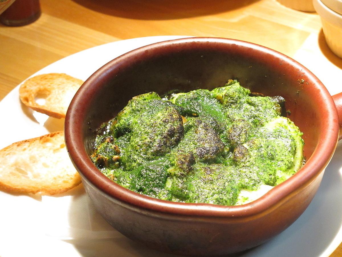 烤蝦和土豆用大蒜黃油