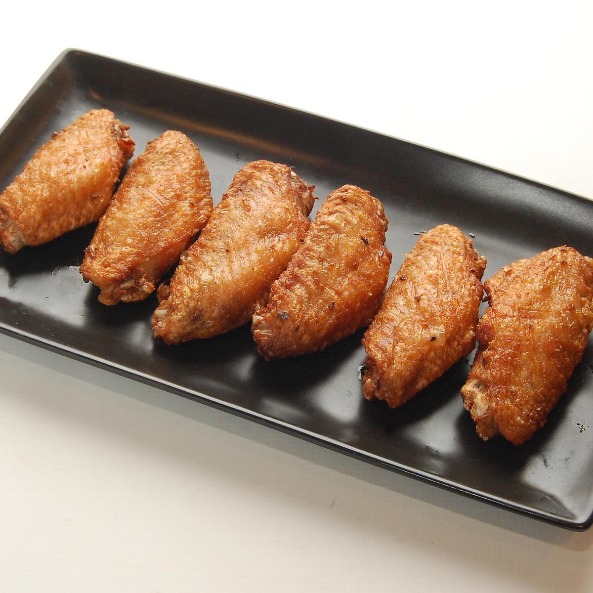 닭 날개 매운 향기 튀김
