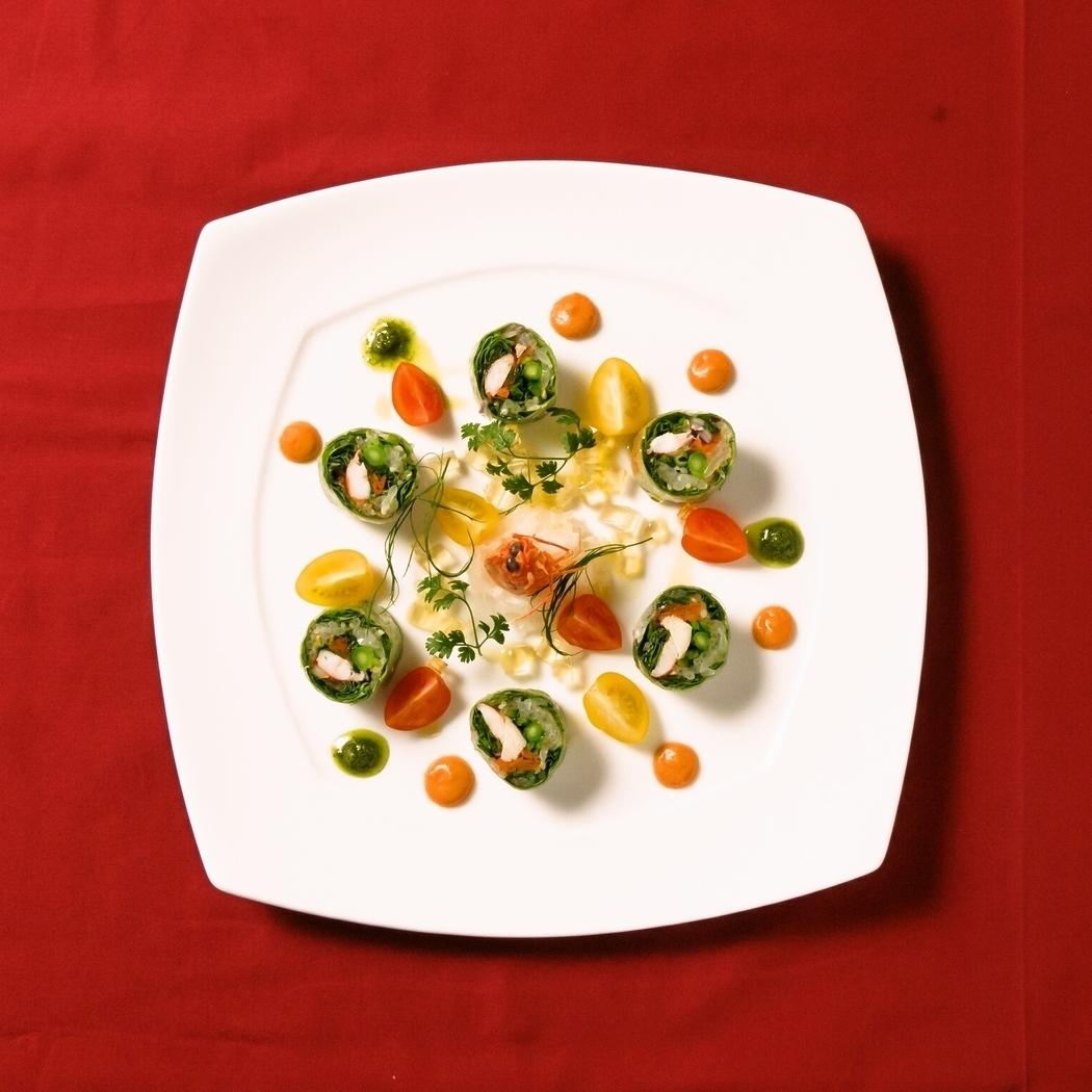 シェフ渾身の美しいエスニック料理の数々・・・