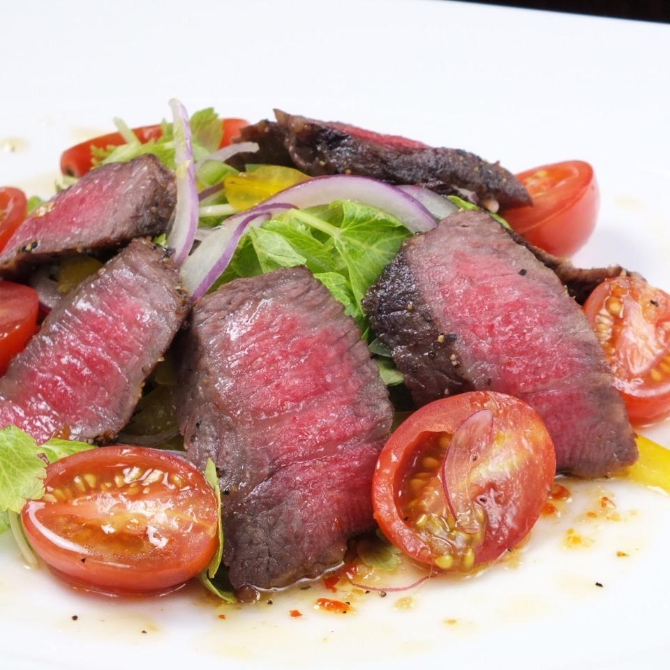 牛肉とトマトの温製サラダ