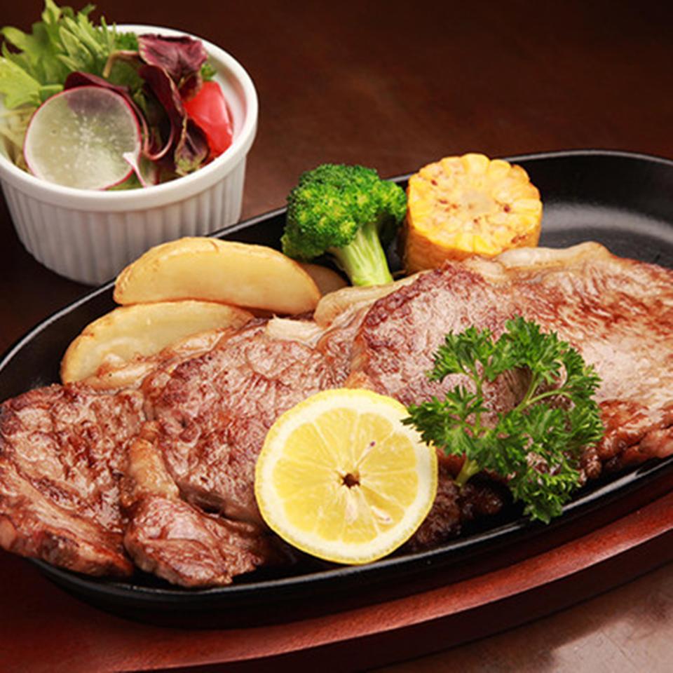 ボトムステーキ 【選べるソース:ステーキソース、オリジナル醤油ソース、おろしポン酢】 (サラダ付)