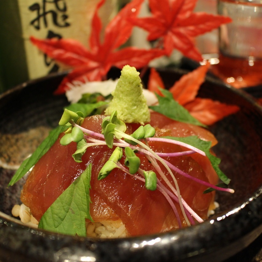 Hakarako rice / Pickled bowl of tuna