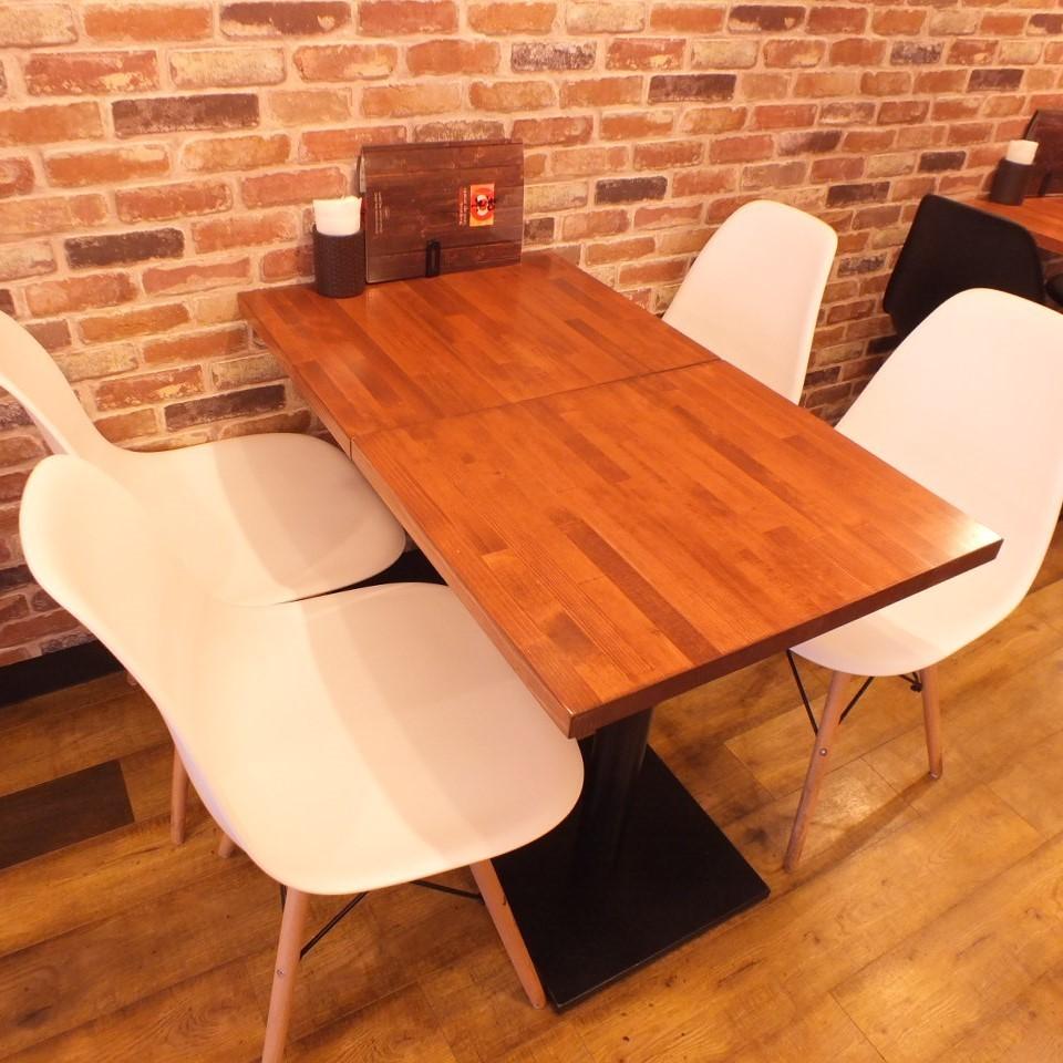 适合4人的桌子(2)