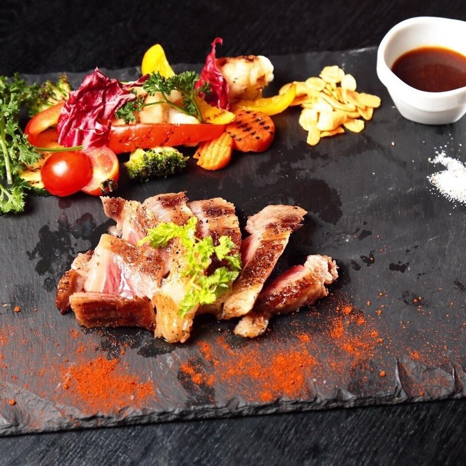与牛肉harami和蔬菜的照烧