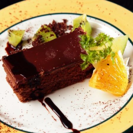 チョコレートケーキ/レアチーズケーキ/モンブランケーキ