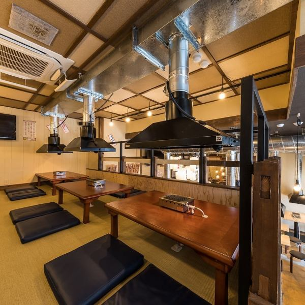 "All the seats are equipped with smoke evacuation facility ◎ Although it says ""mass hormone yakuiku"", it is a calm atmosphere with woodgraining tone! Because it is a space with a sense of cleanliness, it is a space you want to use by all females ♪ Once you go It is a shop that is addictive!"