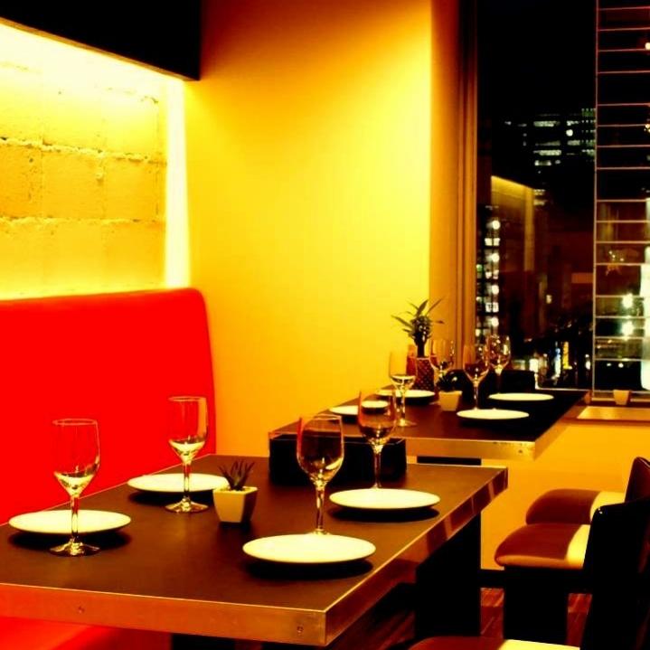 地板桌座位適用於各種宴會。