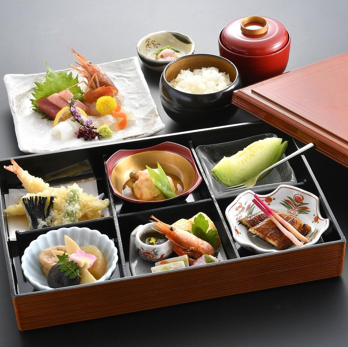 享用正宗的日本料理。