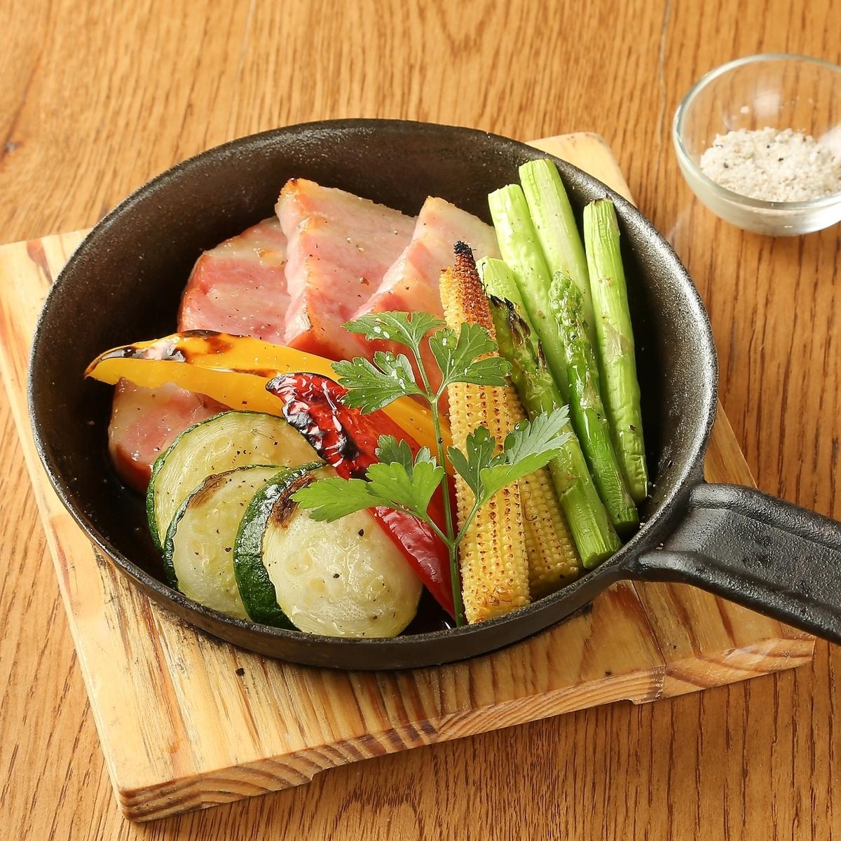本日の野菜の窯焼き~ハーブソルトで~