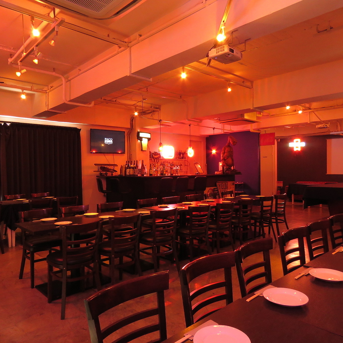 半個室(10~15名)有り。[2F・3F]貸切専用Partyスペースをご用意しております。