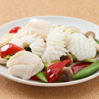 Stir-fried scallops and salted squid