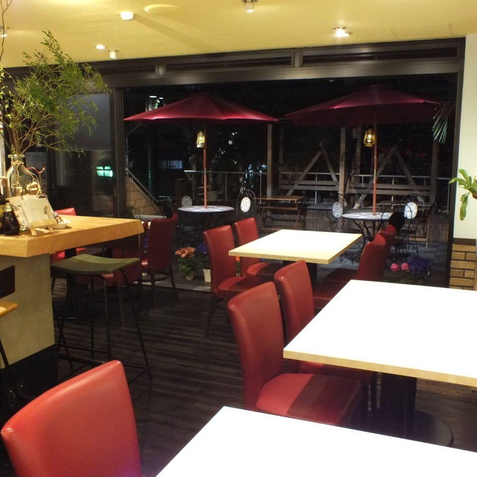 2016年10月OPEN!本格ヤキタテピザ♪お洒落な空間で女子会やデートにもおすすめ◎