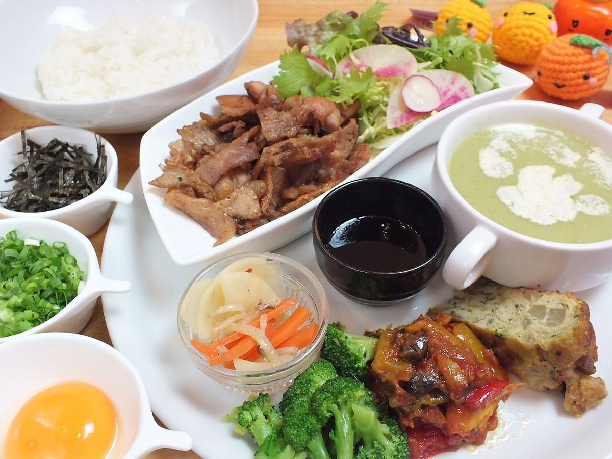 品牌食品成分,如Echoko雞肉和甜心豬和著名的當地美食♪