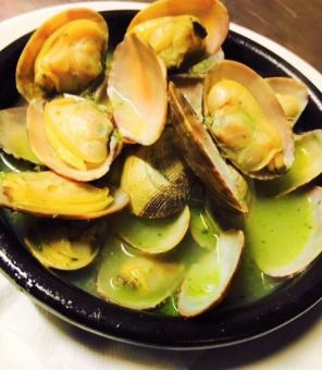 Garlic clams of white clams white wine steamed