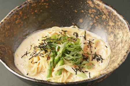 Mentaiko and asparagus cream pasta