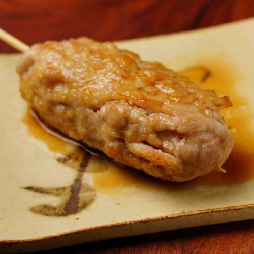 【全店累計5万食突破】鳥門米門特製名物メニュー!粗挽き鶏肉のほどける食感『つくねキング』は必食です!