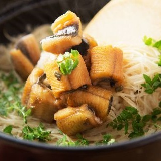 【Rice dish with eel and ginger cooked】