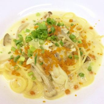 Cream sauce dried mullet roe flavor of the scallops and mushrooms