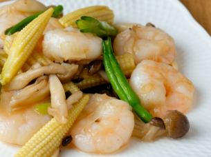 Stir-fried shrimp shrimp with salt
